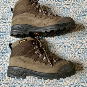 Montrail Gortex hiking boots
